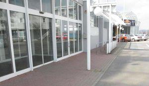 Neu geschaffene Geschäftsflächen im regionalem Einkaufs- und Freizeitzentrum