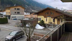 Wohnung in ruhiger Lage, 3 Zimmer, Küche und Wohnen getrennt, mit Abstellplatz und Kellerabteil
