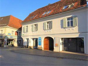 Direkt am Weizer Hauptplatz! Top saniertes, wunderschönes 3-geschossiges historisches Stadtpalais