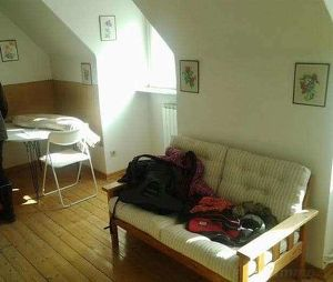 ruhig gelegene 2-Zimmer DG-Wohnung - Anlegerwohnung