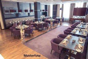 Restaurant mit Gastgarten