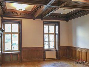 TOPLAGE - Büroetage in einem schönen Altbauhaus