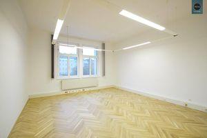 Topzustand: Büro mit perfektem Grundriss in Bestlage! Garagen verfügbar!