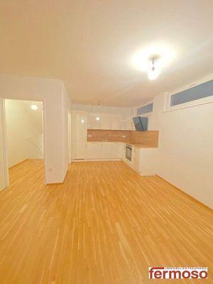 --BRIGITTA PASSAGE--EXKLUSIVE auf 116m2 perfekt aufgeteilte 4-Zimmer Wohnung mit Wintergarten ! TOP-Saniert ! Bezugsfertig ab 01.05.2021