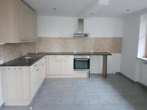AB SOFORT Wohnung mit eigenem Garten und Terrasse zu vermieten