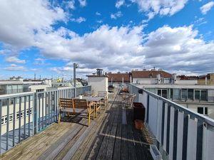 Single-Wohnung mit 200qm Dachterrassenmitbenutzung im Palais Siebenbrunn!