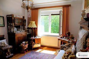 Gartenblick - Zentral begehbar - Ruhelage - Sanierte 3-Zimmer-Wohnung mit großem Gemeinschaftsgarten