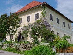 Zu verkaufen ist ein altes entzückendes Haus