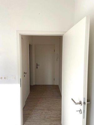 Bezaubernde renovierte 1-Zimmer-Wohnung auch als Büro oder Praxis zu vermieten!!!