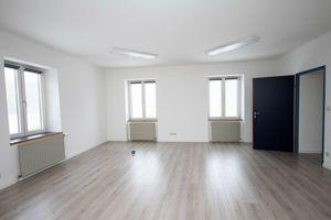 sanierte BÜRO- / PRAXIS - Räume in verschiedenen Größen in Traiskirchen (von einem - vier Zimmer) gut und ruhig im Zentrum Traiskirchens gelegen