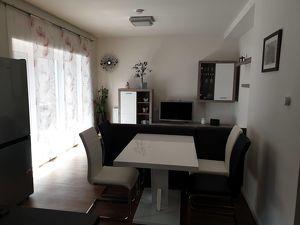 Deutschlandsberg: 1 Zimmer Wohnung in zentraler Lage mit Balkon und Carport