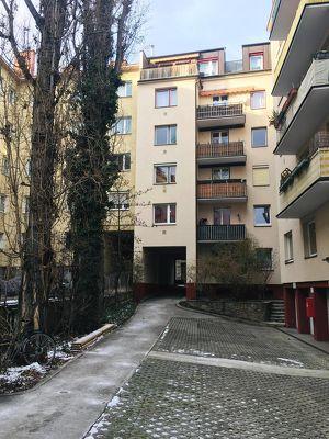 Hofruhelage-großzügige 3-Zimmer Wohnung mit Südbalkon von privat