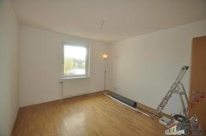 Neue renovierte 3- Zimmer -Wohnung in Bahnhofsnähe