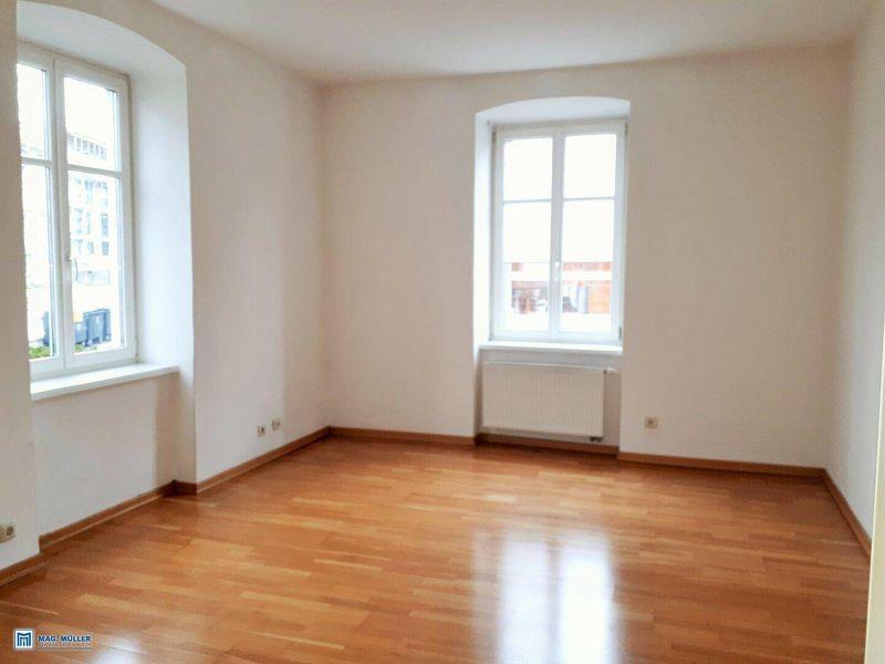 Riedenburg/Neutorstraße - Schöne 3,5-Zimmer-Altbau-Wohnung inkl. Wohnküche Top 3