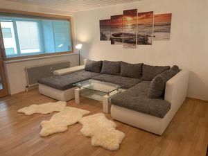 Möblierte Wohnung mit Loggia in ruhiger Lage
