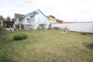 Einfamilienhaus mit Photvoltaik-Solaranlage ** Wintergarten ca. 30m² ** 6 Zimmer **  735m² Garten ** sehr heller Keller