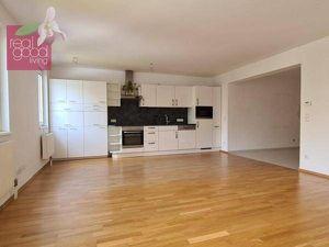 Garagenplatz in der Miete inkludiert: Schöne 3 Zimmerwohnung in toller Lage des 7. Bezirks