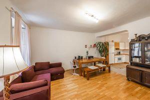 Ober St. Veit: praktisch aufgeteilte 2,5-Zimmer-Wohnung zu unbefristeten Miete