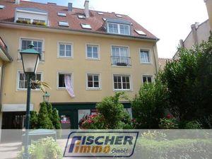 Gepflegte 2-Zimmer-Wohnung im ruhigen Innenhof der Theaterpassage/Fußgängerzone mit optionalem Tiefgaragenplatz/149