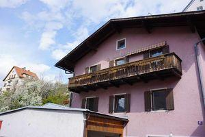 Haus mit zwei Wohneinheiten