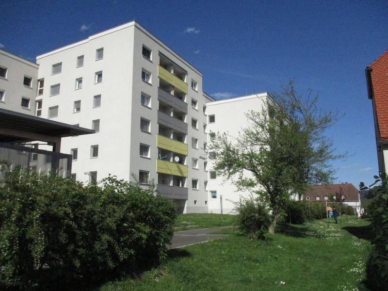 Sanierte, provisionsfreie, geräumige, familienfreundliche Wohnung in schöner, grüner Siedlungslage am Murufer Leoben