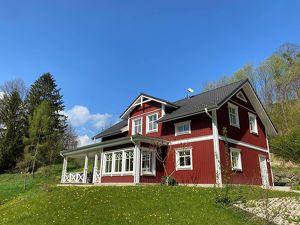 """""""Midsommar"""" im stilvollen Schwedenhaus – Lebensgefühl auf 165m2 mit 6 Zimmern und Veranda"""