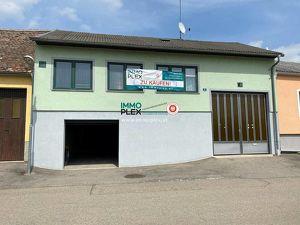 2070 Unternalb-RETZ/Nähe Bahnhof; Einfamilienhaus-unterkellert mit Garage, Innenhof, Nebenräumen und großer Scheune zu verkaufen!