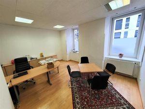 2 Zimmer Büro im Zentrum mit Carport