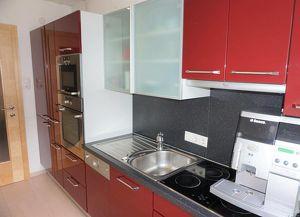 Preisreduktion!!! Geräumige Lichtdurchflutete Wohnung / WG-geeignet