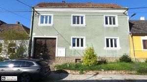 PROVISIONSFREI - Gepflegtes älteres Bauernhaus, 7 Zimmer, uneinsehbarer Garten, Stadel, Gästehaus