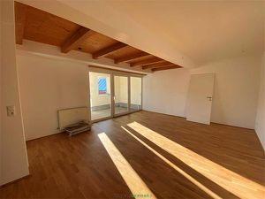 Telfs: Sehr gut eingeteilte 4-Zimmer-Dachgeschosswohnung Top 08A