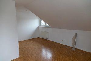 Dachgeschosswohnung 73m² in Traun (Straßenbahnnähe)
