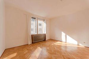 Bestlage: 3-Zimmer-Wohnung im 5. Liftstock in der Postgasse/Wollzeile