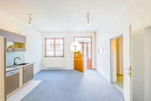 60 m² Bürofläche ~ In 20 Minuten in Wien ~ Gute öffentliche Anbindungen!