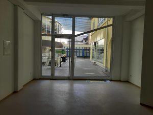 Komplett renovierte Geschäfts-/Bürofläche in der Innenstadt