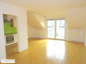 Ortszentrum Seekirchen: Gut geschnittene 4 Zimmer Mietwohnung mit Balkon!