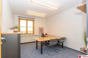 Praktisches Büro im Zentrum/Schwechat - Ohne Kündigungsfrist -möbliert- Parkplatz direkt vor der Haustür