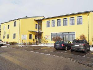 Büro-, Geschäfts-, oder Wohnhaus im Zentrum von Perg! 620 m² Nutzfläche, 1007 m² Grundstücksfläche, 13 Parkplä