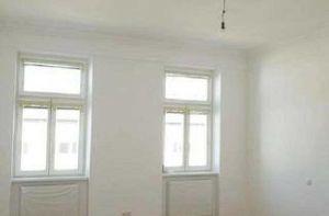 ERSTBEZUG: helle 2-Zimmer als Büro, Ordination oder Studio Nähe Siebenbrunnenplatz
