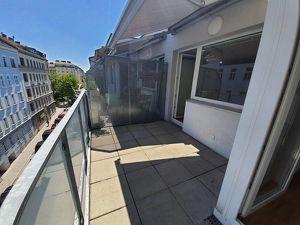 Moderne 3 Zimmer Wohnung mit großem Balkon - Nähe Zentapark
