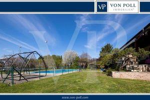 Großzügiges Einfamilienhaus mit Pool und Tennisplatz
