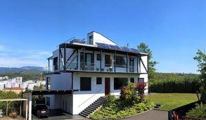Architektenhaus am Ruckerlberg mit Panoramablick auf Uhrturm, Schloßberg, Graz und nördliche Umgebung