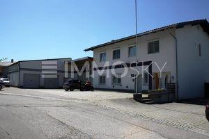 2 Wohnungen, Werkstatt, Personalunterkünfte, Lager, Garage, Parkplatz