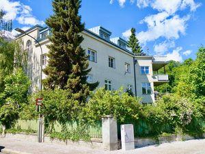 Villa in Saggen mit 4 Wohnungen