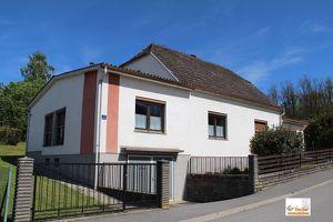 Einfamilienhaus mit Blick auf das Kastell von Güssing