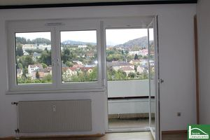 Zimmer Wohnung - ZENTRAL BEIM BAHNHOF - Pärchenwohnung mit Loggia - in Mürzzuschlag.
