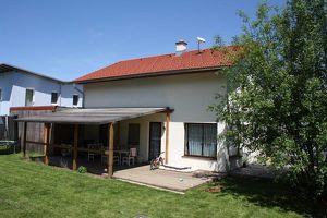 Neuwertiges Einfamilienhaus mit 2 Terrassen in schöner Ruhelage zum Wohnfühlen