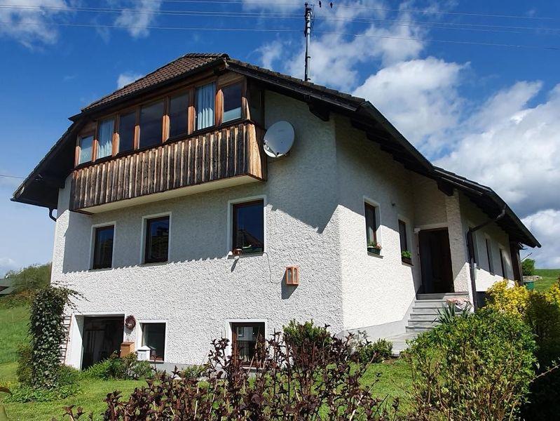 Wohnhaus mit 3 Wohneinheiten
