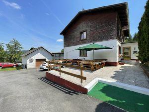 Großfamilientraum: Sonniges Wohnhaus mit viel Gartenfläche.