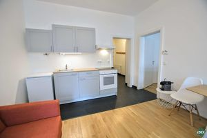 Schönes 2-Zimmer-Büro mit Küchen- und Badezimmerausstattung